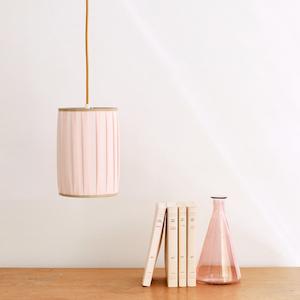 lampe baladeuse rose chambre bohème